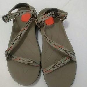 Shoes - Teva sandals